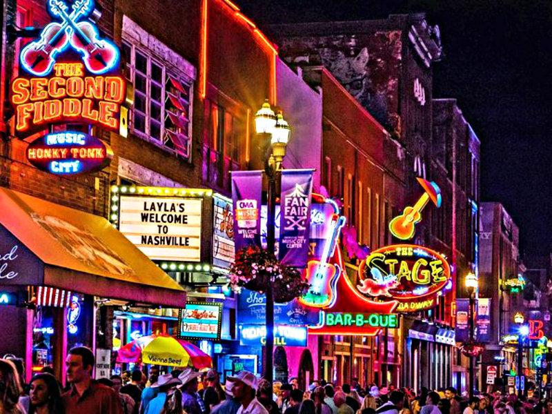 THE VILLE TOURS PUB CRAWL Nashville's #1 All-Inclusive Cocktail & Food Tour