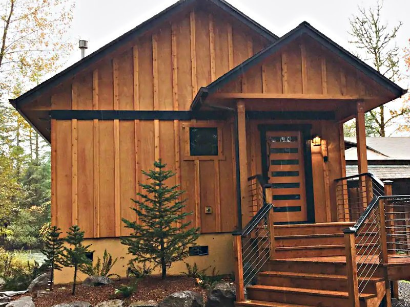 Spoil yourself! Luxury Cabin on the Santiam River