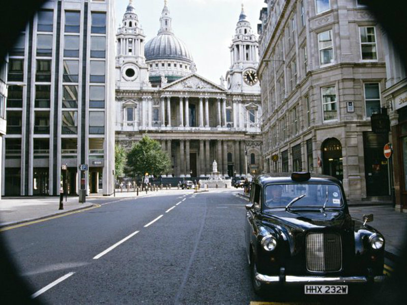 Private Tour: Harry Potter Black Taxi Tour of London