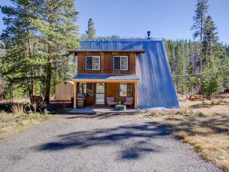 Exterior of Mountain Cabin Getaway
