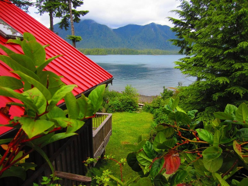 Ocean Dream Waterfront Cottage, Tofino, British Columbia