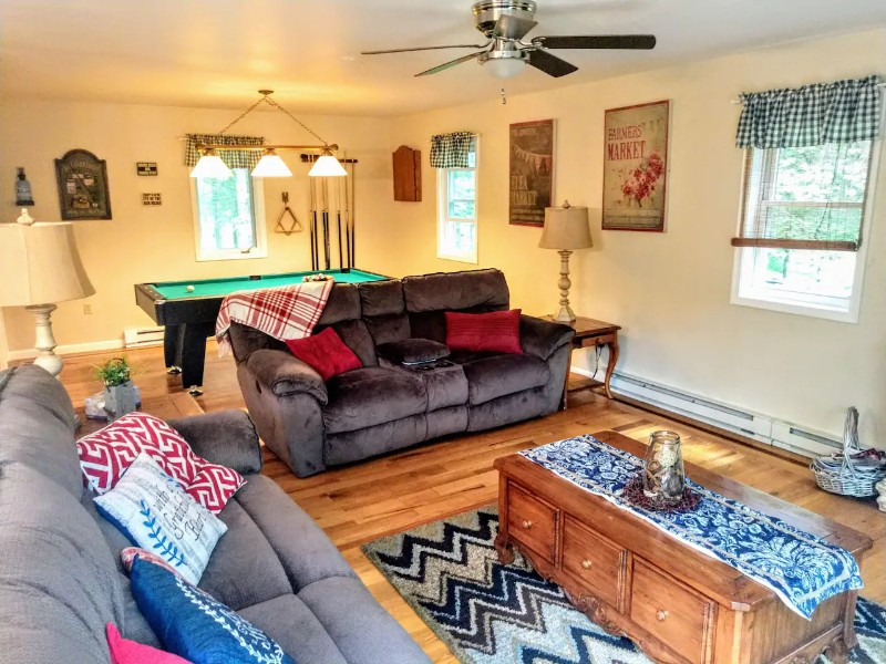 Pet-Friendly Cabin, Albrightsville