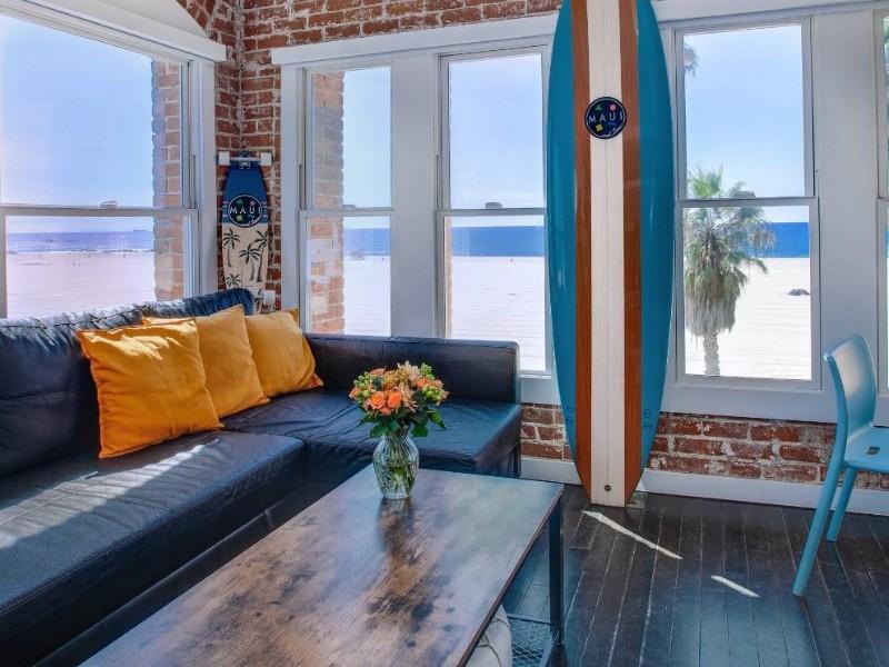 Venice Breeze Suites, Venice California