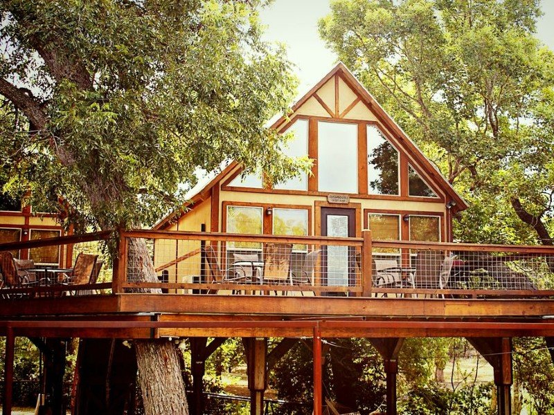 Gorgeous Creek front Cabin