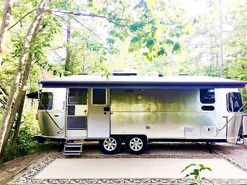 The Wheelhouse : Airstream Glamping