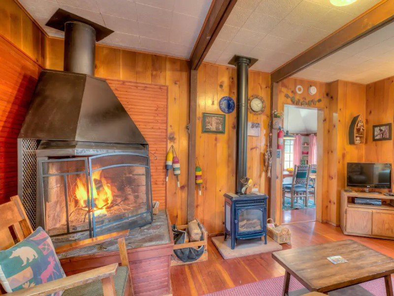 Charming Historic Log Cabin