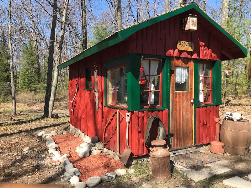 vintage 1930s northern Mi cabin