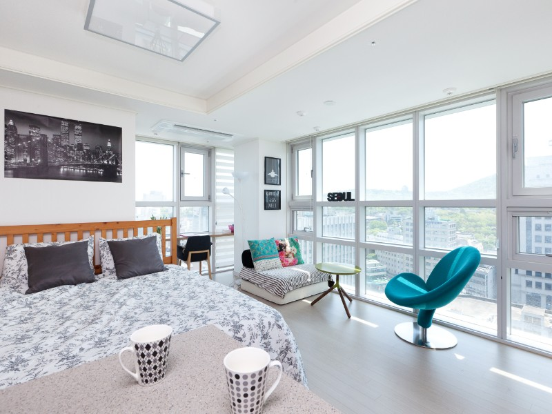 Apartment With View of Seoul Tower