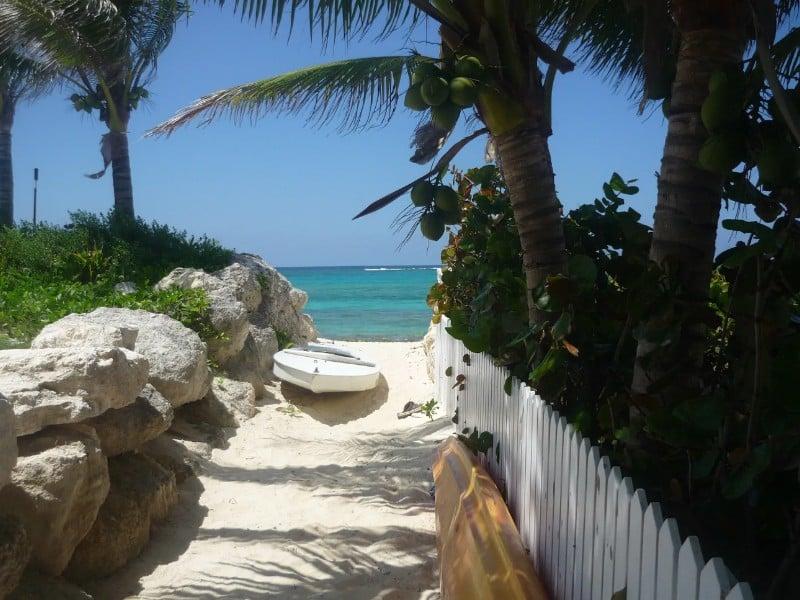 Cozy Apartment at the Beach, Nassau, Bahamas