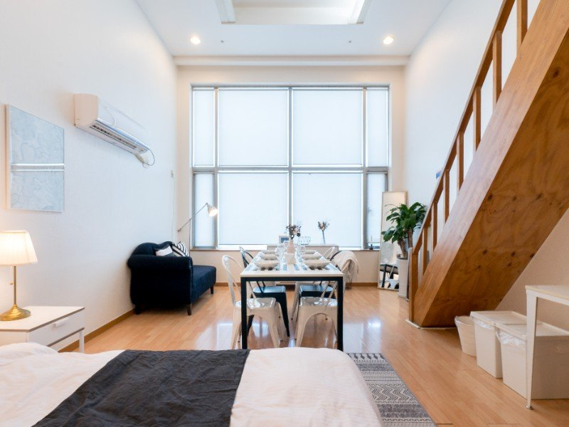 Cozy Duplex Airbnb Near Metro Station