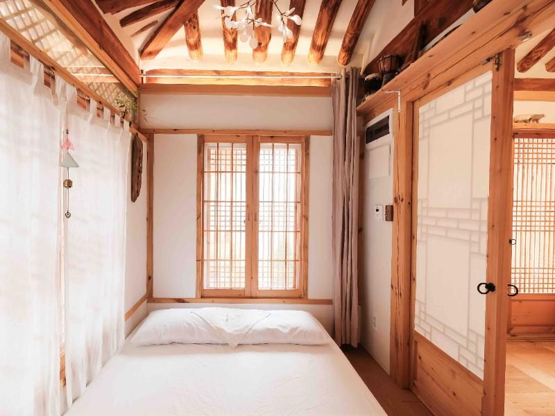 Quiet Charming Hanok Airbnb