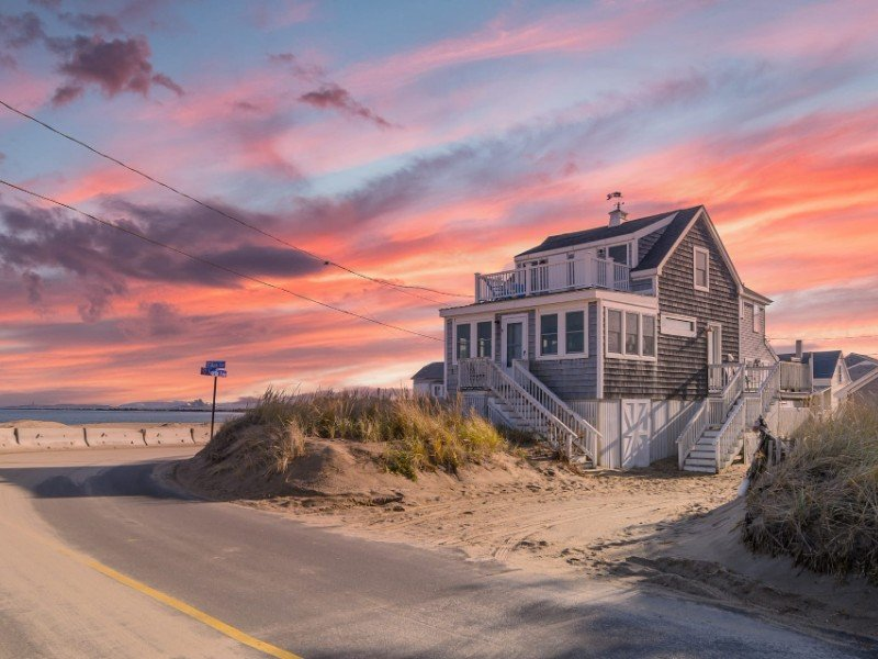 The Beach House, Oceanfront & Sunrise Views