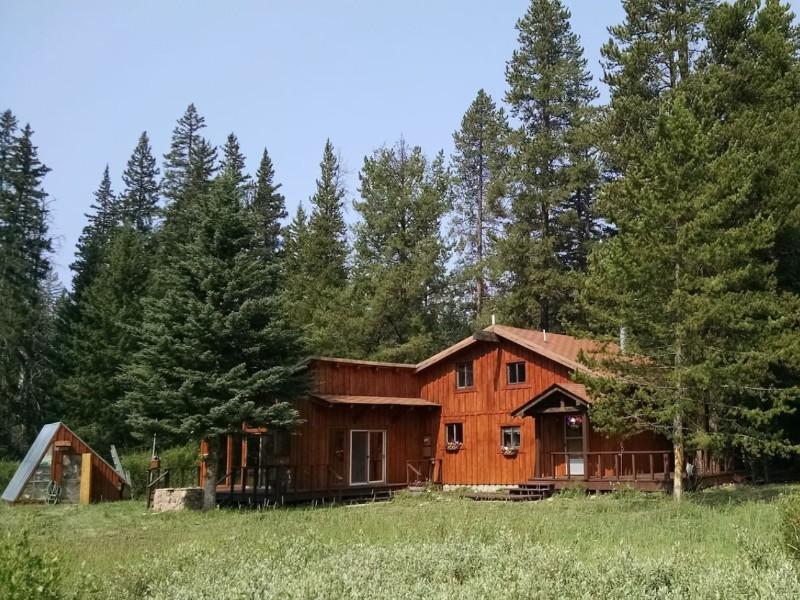 Yellowstone Vacation Mountain Retreat, Cooke City-Silver Gate, Montana