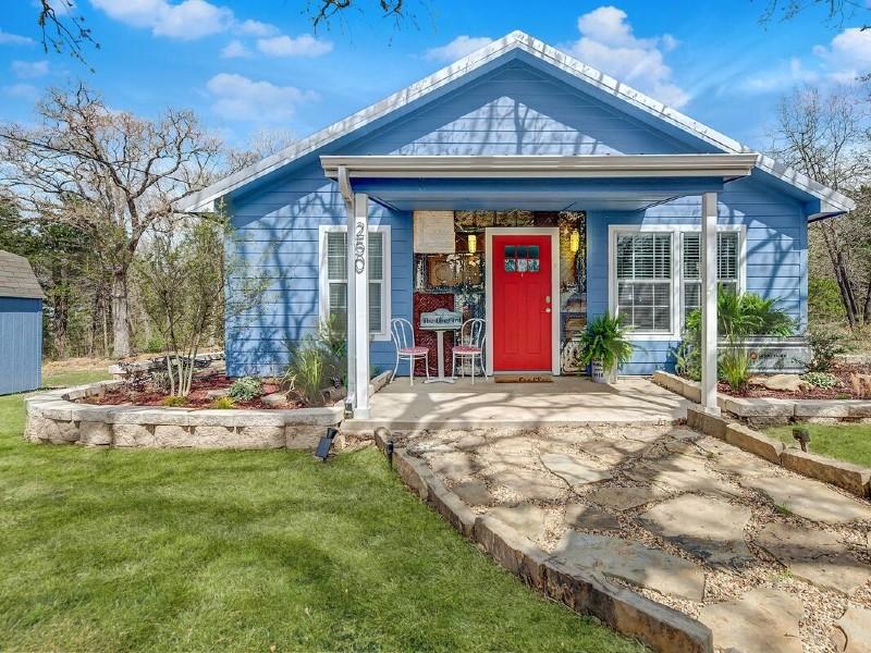 Tiny Bluebird Cottage