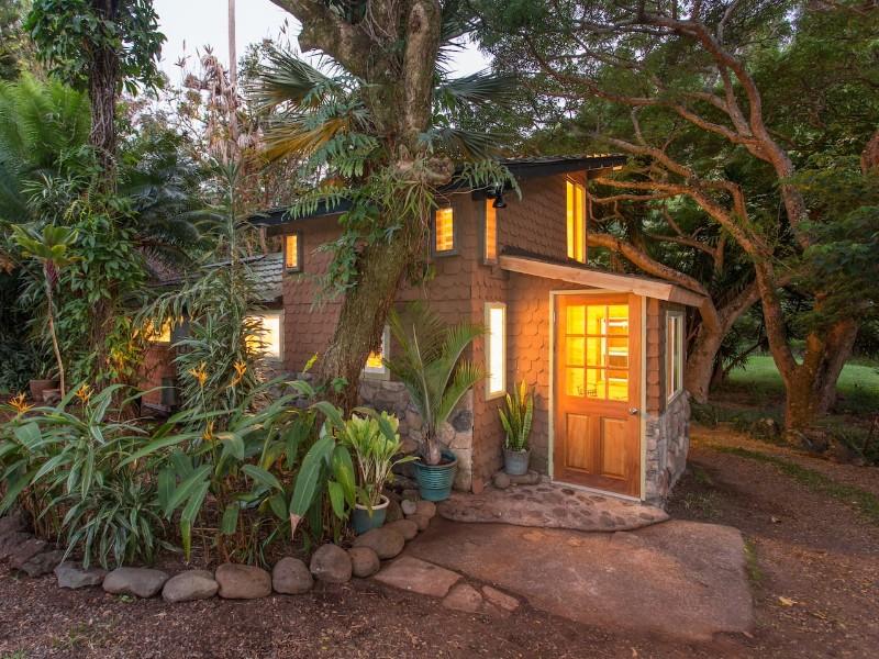 Adorable Garden Gingerbread House - Makawao, Hawaii