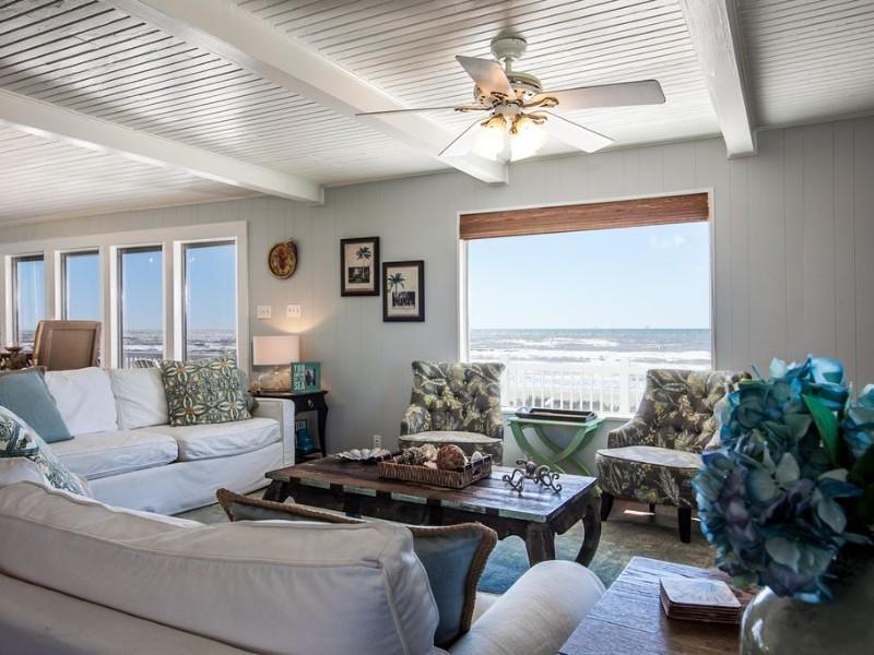 Living space in Bermuda Blue Beachfront