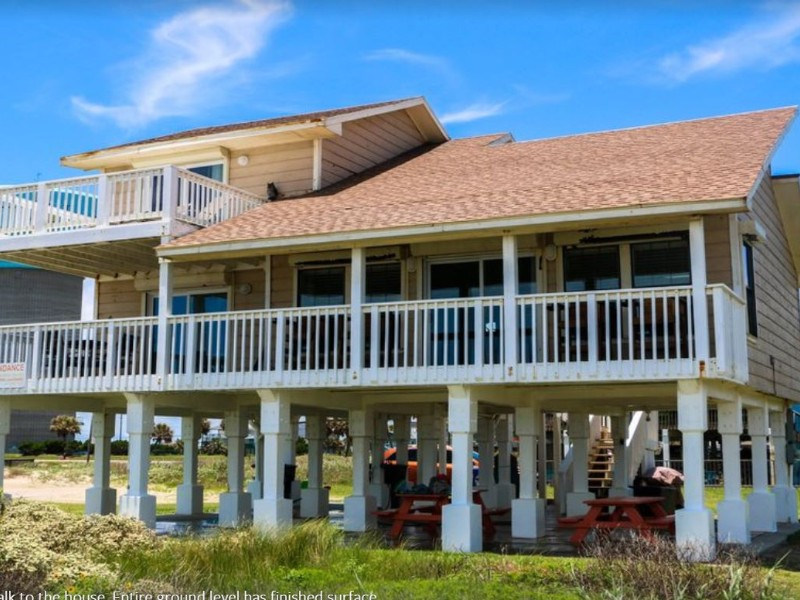 Exterior of Front Row Beach Home