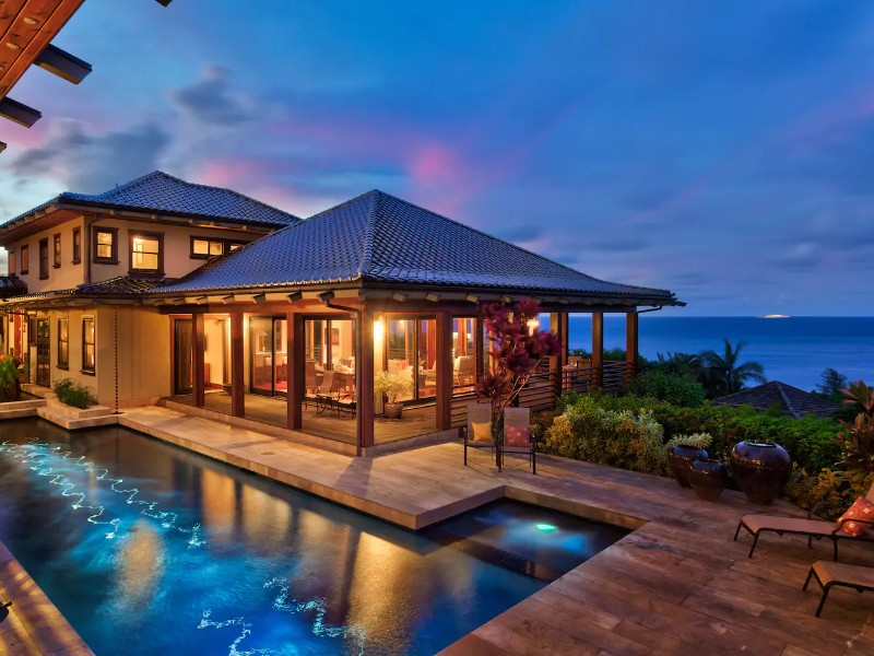Ocean Views with Pool and Hot Tub, Anini