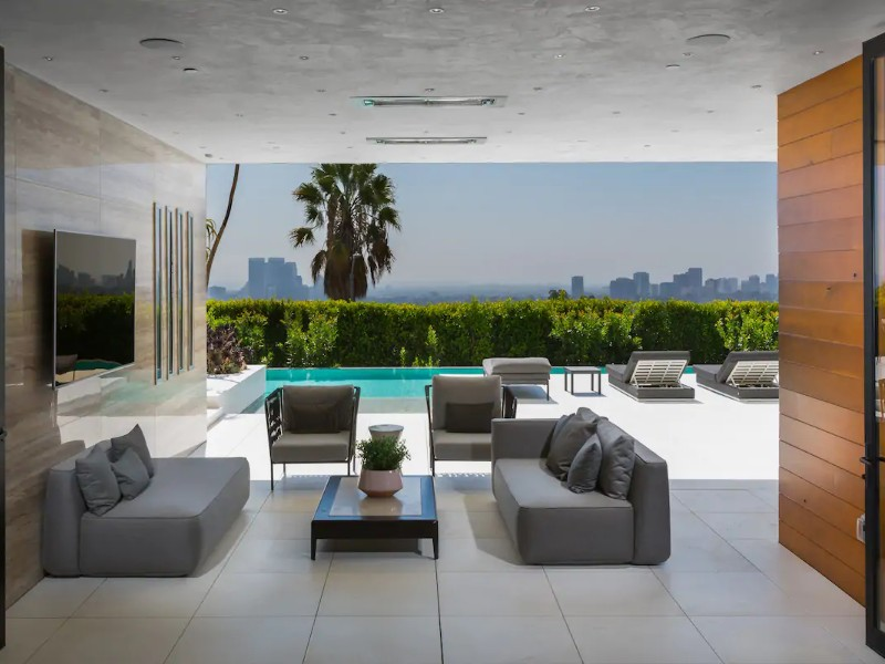 Spectacular Views, Beverly Hills