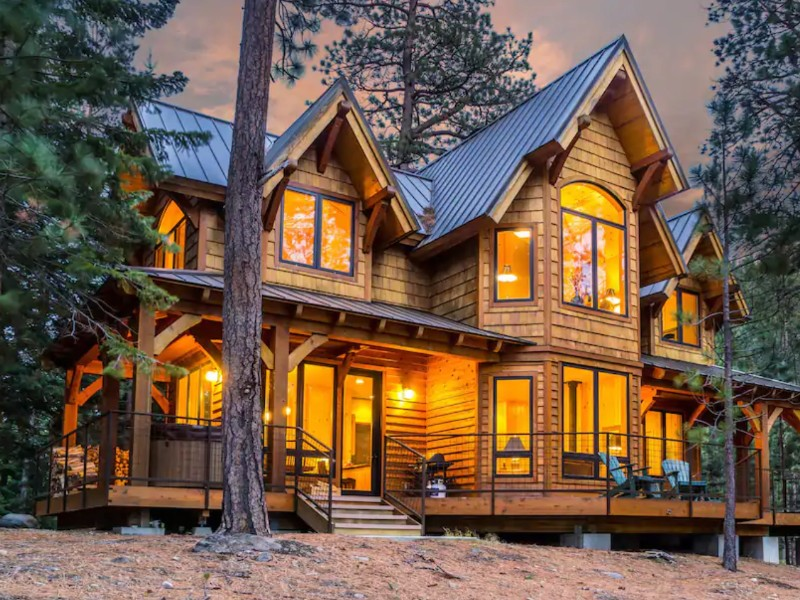Tumalo Lake Cabin, Oregon