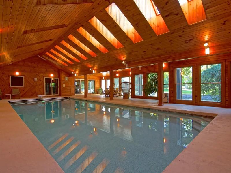 Villa with Indoor Pool, North Hampton