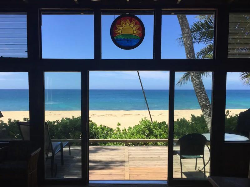 Beachfront Solar Home, Oahu, Hawaii