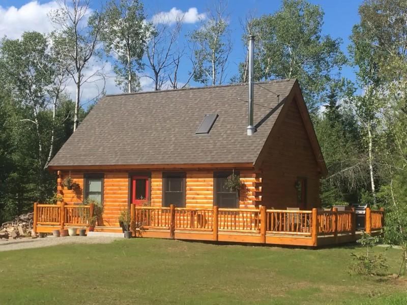 Cozy Log Cabin in Certified Wildlife Habitat