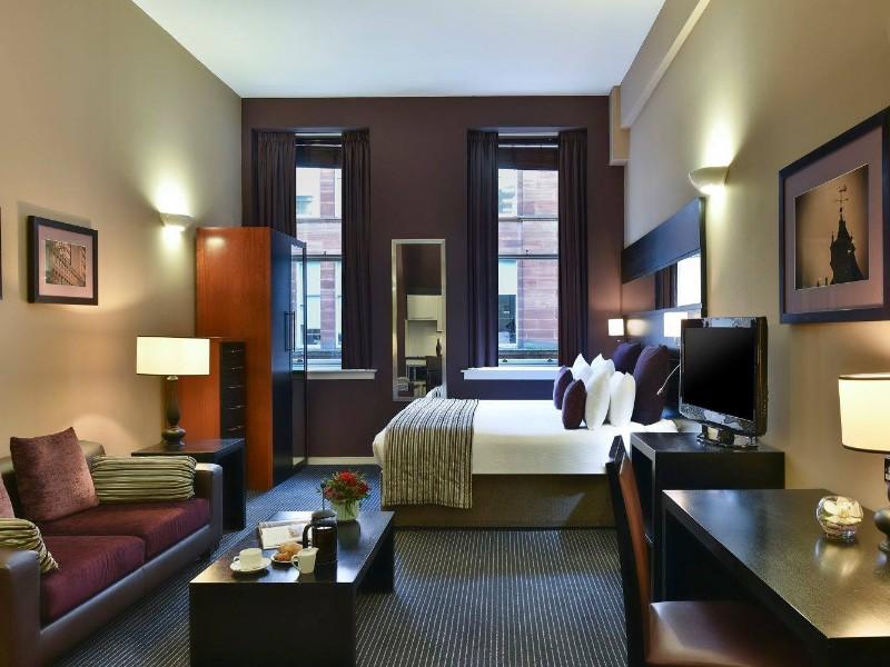 Room at Fraser Suites Glasgow