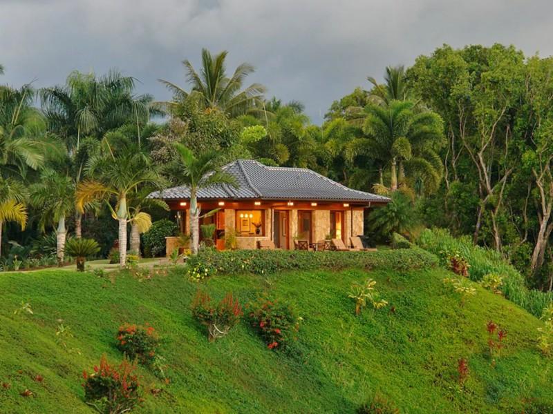 Luxurious Waterfront Airbnb, Kauai