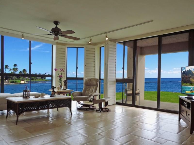 Oceanfront, Ground Floor Corner Vacation Rental, Kauai
