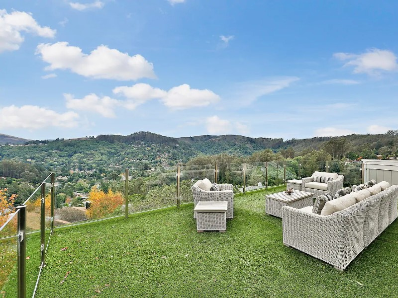 $3M 4650 Ft Home Breathtaking Views