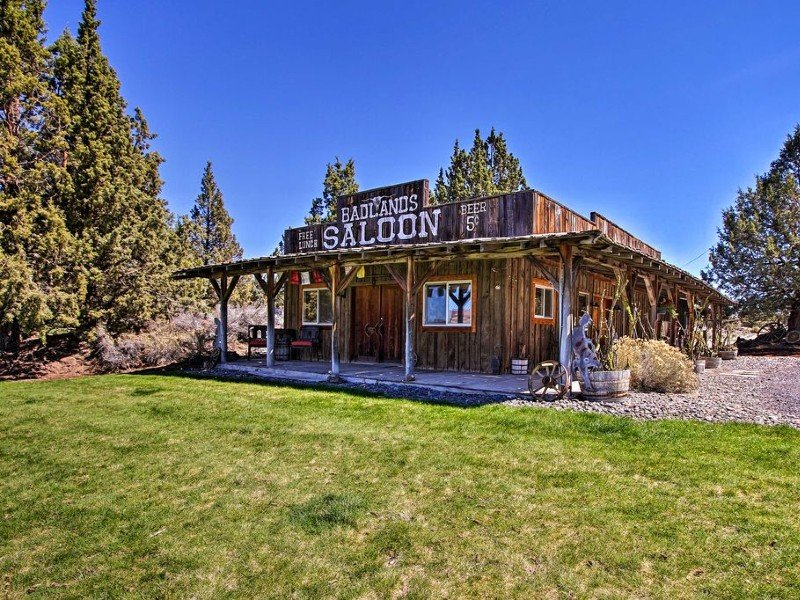 Rustic Ranch Cottage w/ Trails - 13 Mi to Bend
