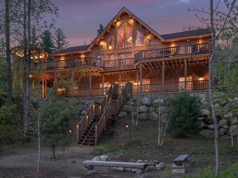 Authentic Luxury Cedar Log Cabin