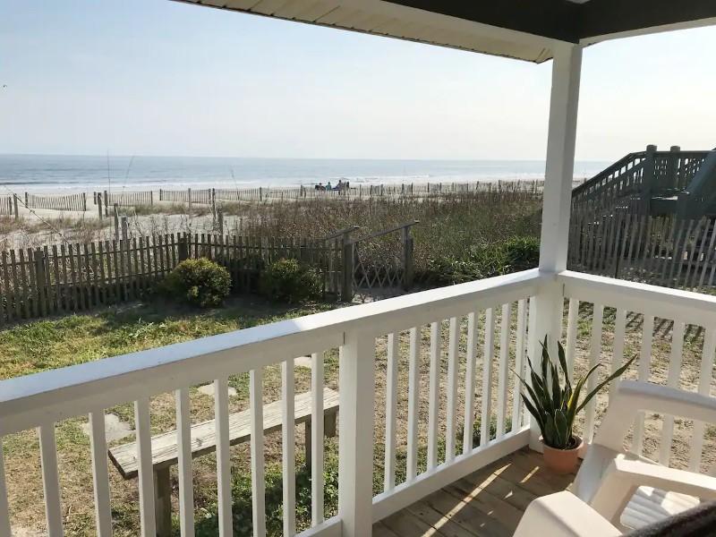 Beachfront Cottage, Holden Beach