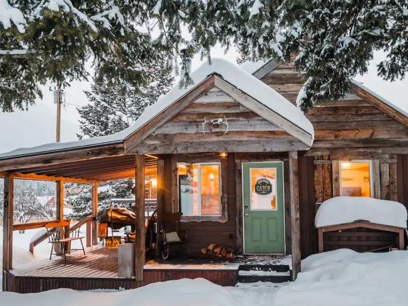 Cabin 9 Miles from Glacier Park Entrance, Martin City, Montana