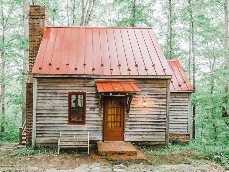 Cozy Riverfront Cabin on 50 acres, Appomattox, Virginia