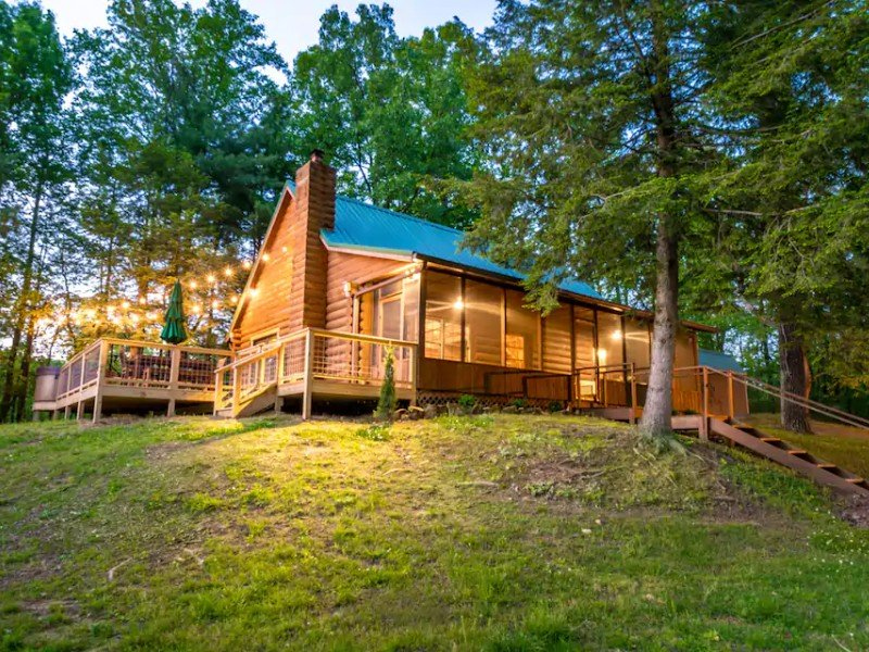 Log Cabin + Guest House on a Pond with Hot Tub, Terre Haute