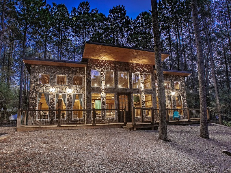 Luxury Cabin Rental in Broken Bow, Oklahoma