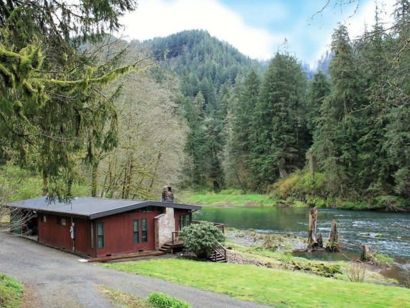 Mid-Century Riverfront Cabin, Tillamook, Oregon