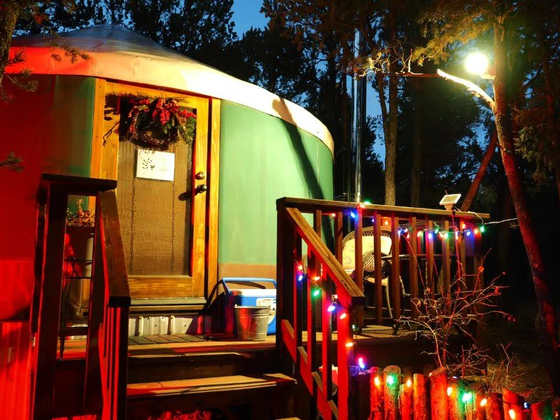 Lit up Mountain yurt for the solo traveler