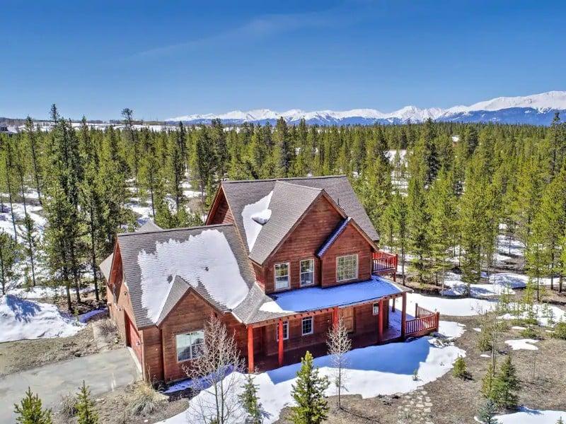 Rocky Bear Lodge