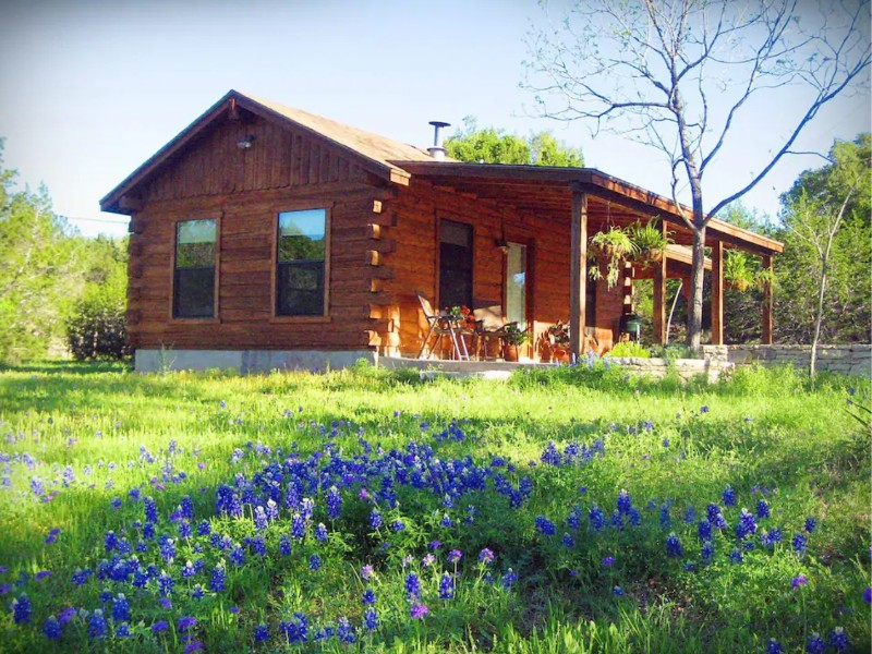 Romantic Log Cabin on Smith Creek, Wimberley, Texas
