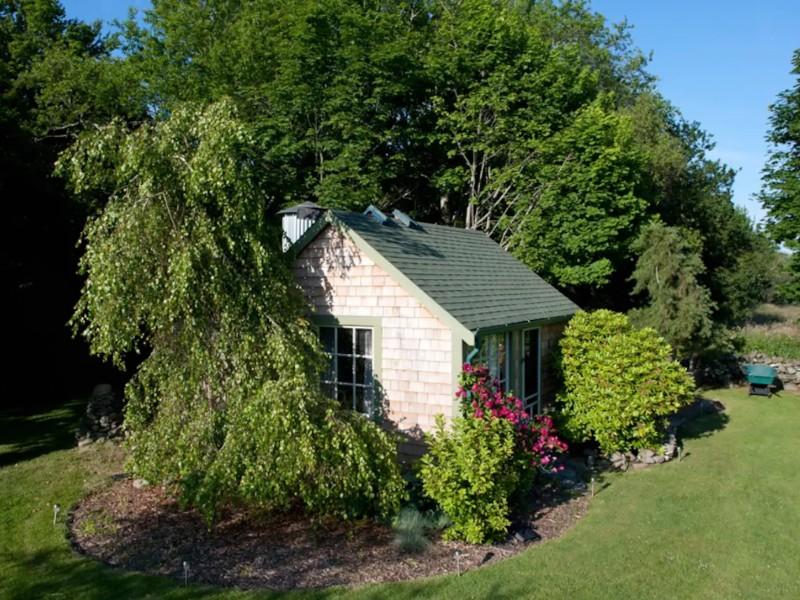Rustic Island Cabin, Jamestown, Rhode Island
