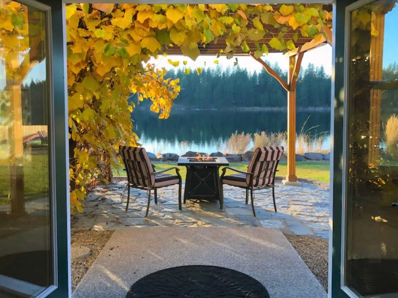 Serene Lakeside Retreat, Medical Lake, Washington
