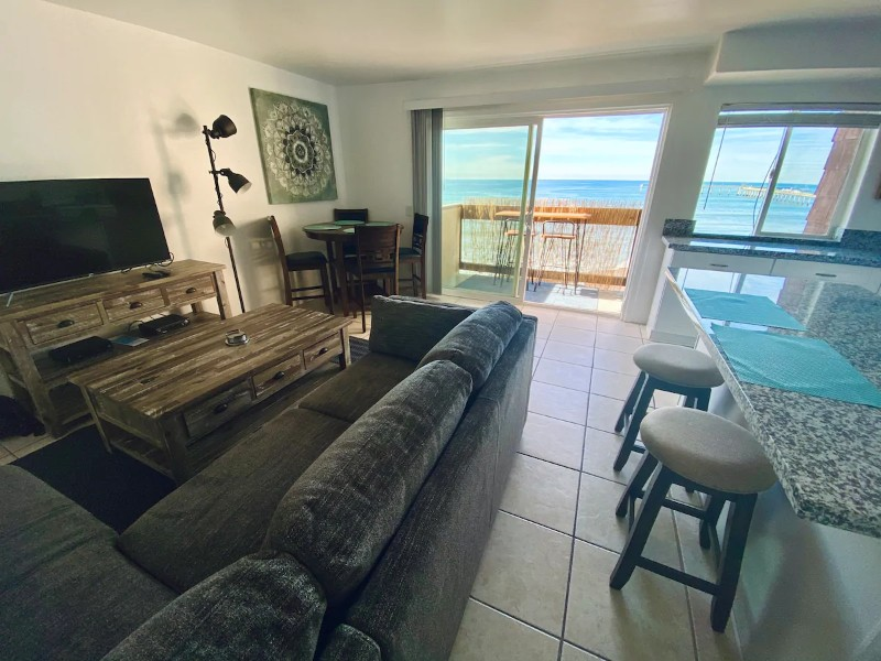 Spacious and Central Oceanfront Condo