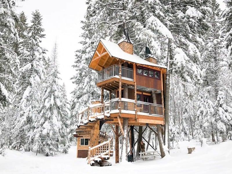 Treehouse Winter Wonderland, Columbia Falls, Montana