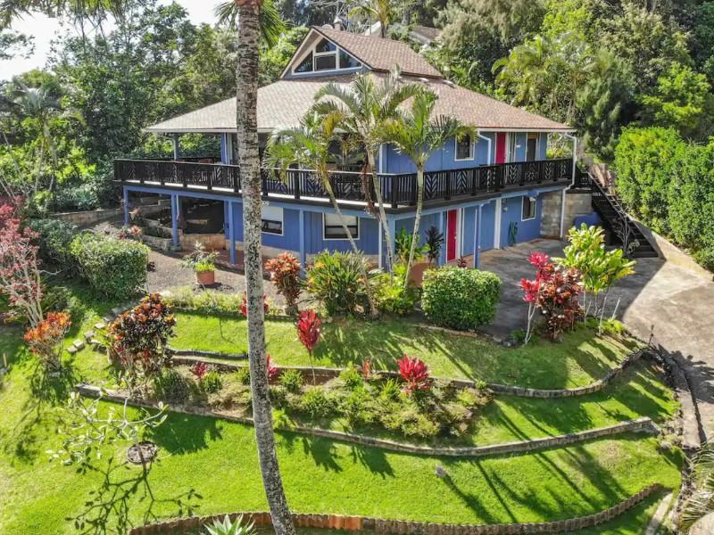 Two-story house w/ wraparound lanai, WiFi, amazing views, Kauai