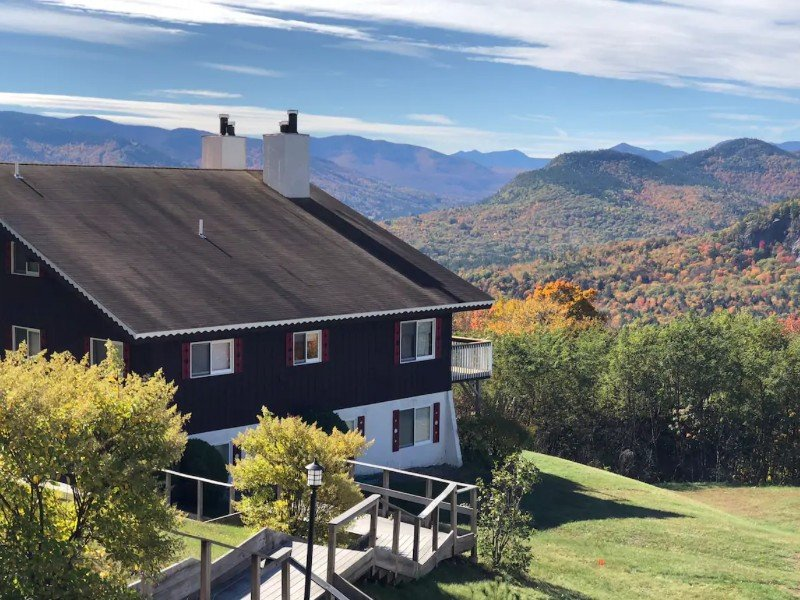 Upscale Retreat with Panoramic Mountain Views, Intervale, New Hampshire