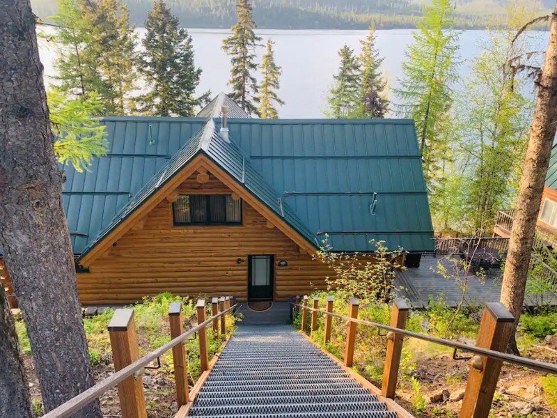 Waterfront home with gorgeous views, Kalispell, Montana