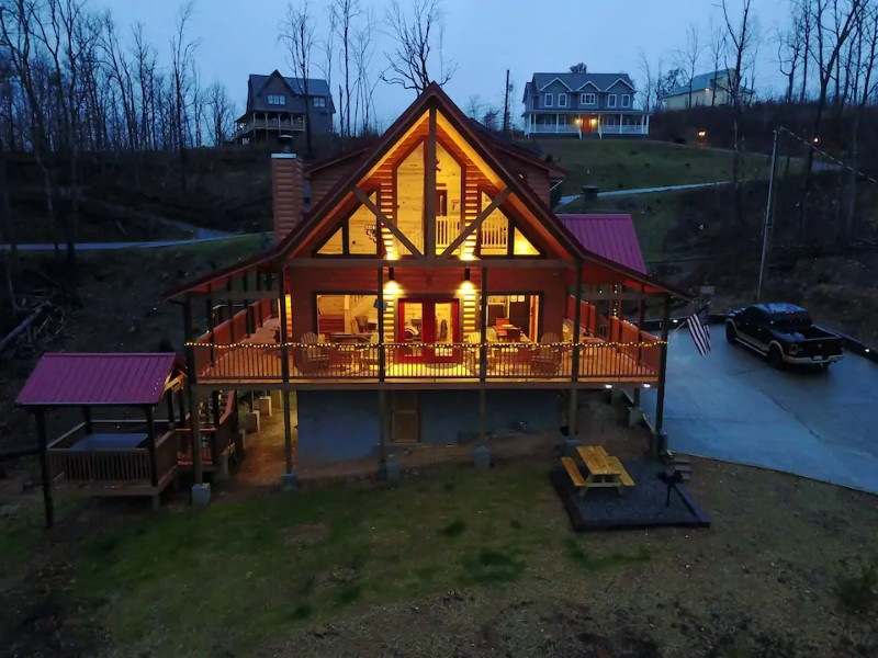 Woodlands Mountain Cabin